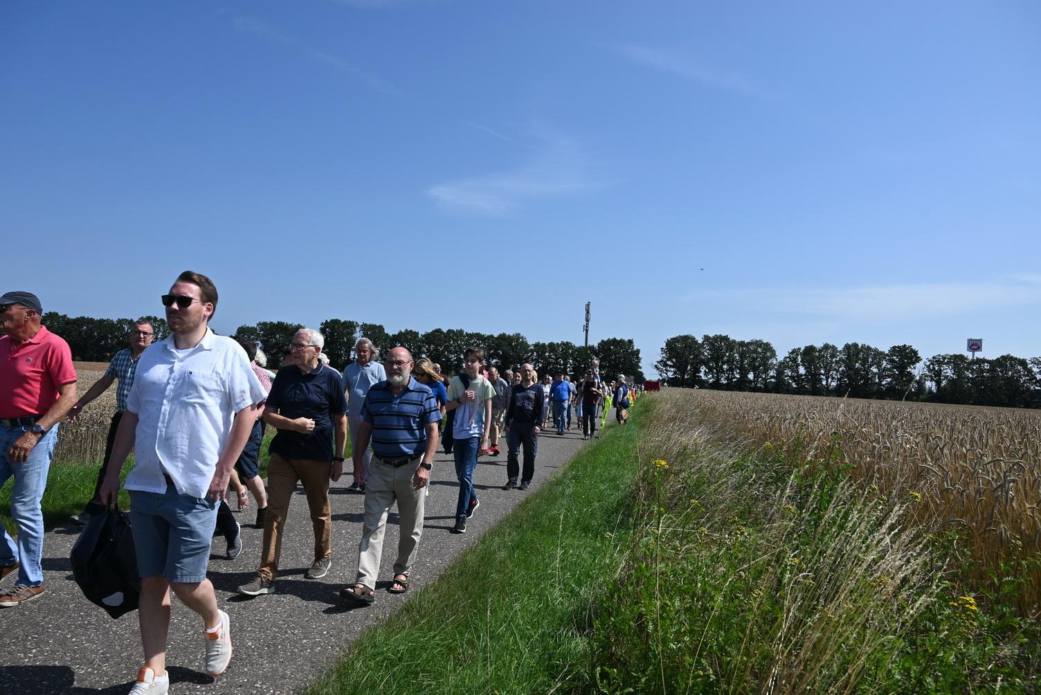 Spaziergang am 19.07.2021 zum Plangebiet mit 200 Bürgern und Ratsmitgliedern